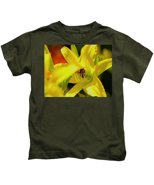 Bee On Yellow Lilly Kids T-Shirt