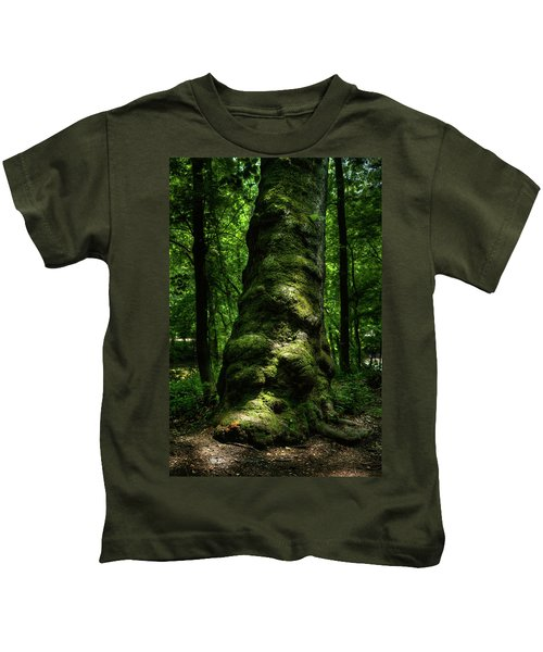 Big Moody Tree In Forest Kids T-Shirt