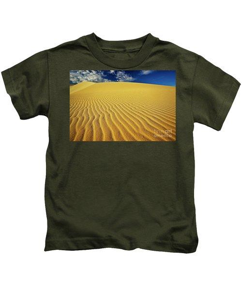 Burning Up At The White Sand Dunes - Mui Ne, Vietnam, Southeast Asia Kids T-Shirt