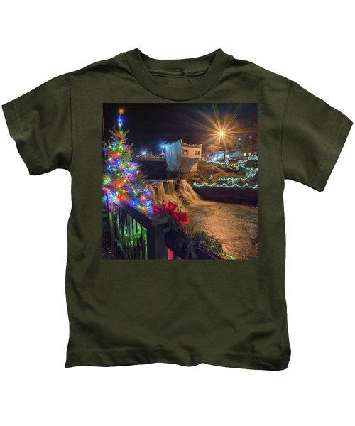 Chagrin Falls At Christmas Kids T-Shirt