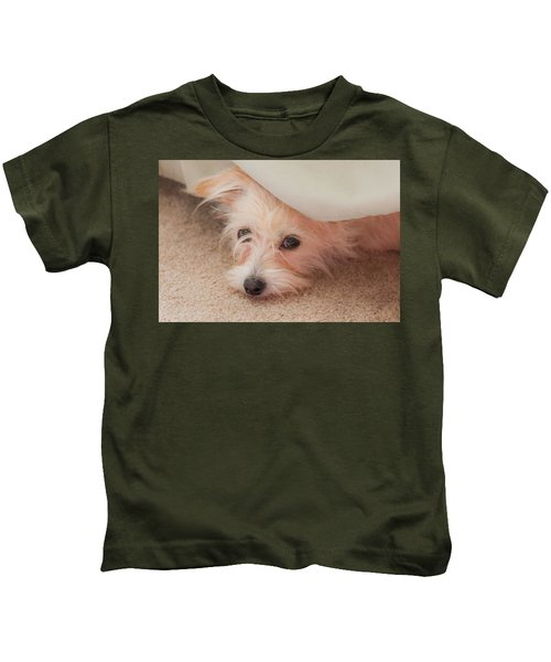Chica In Hiding Kids T-Shirt
