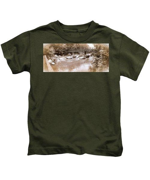 Chimney Rock  Kids T-Shirt
