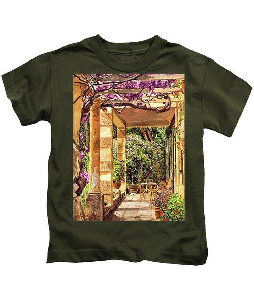 Clos Du Peyronnet Gardens Provence Kids T-Shirt