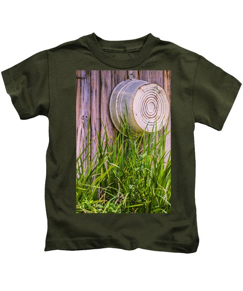 Country Bath Tub Kids T-Shirt