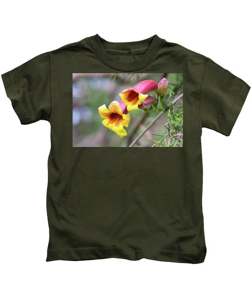 Crossvines  Kids T-Shirt