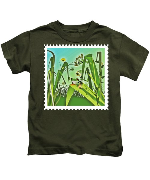 Cute Frog Camouflaged In The Garden Jungle Kids T-Shirt