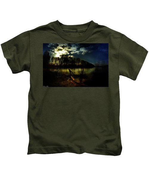 Down Where The River Bends Kids T-Shirt