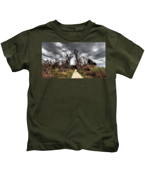 Dramatic Landscape At Elizabeth Morton Kids T-Shirt