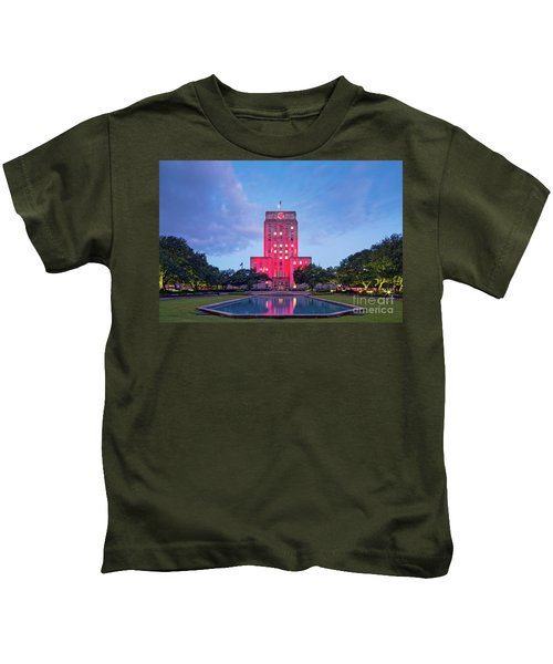 Early Dawn Architectural Photograph Of Houston City Hall And Hermann Square - Downtown Houston Texas Kids T-Shirt