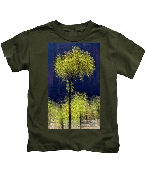 Elegance In The Park Vertical Adventure Photography By Kaylyn Franks Kids T-Shirt