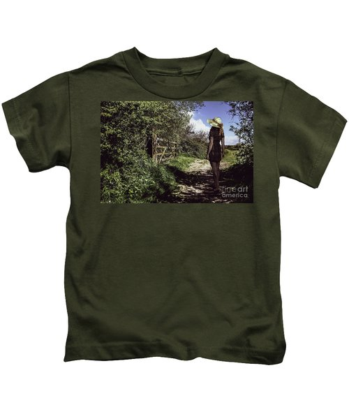 Eliza's Walk In The Countryside. Kids T-Shirt