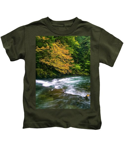 Fall On The Clackamas River, Or Kids T-Shirt