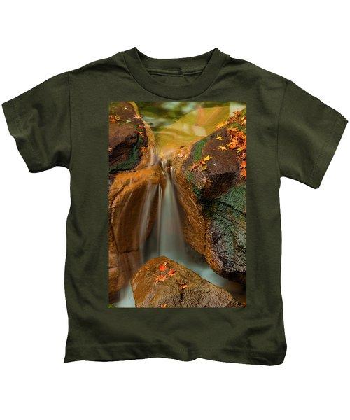 Falls In Motion Kids T-Shirt