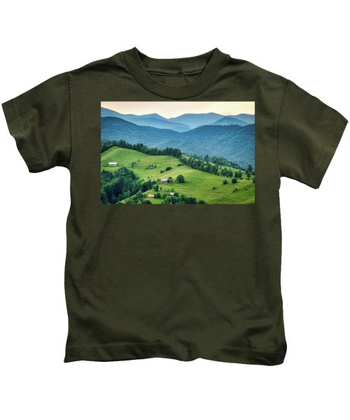 Farm In The Mountains - Romania Kids T-Shirt