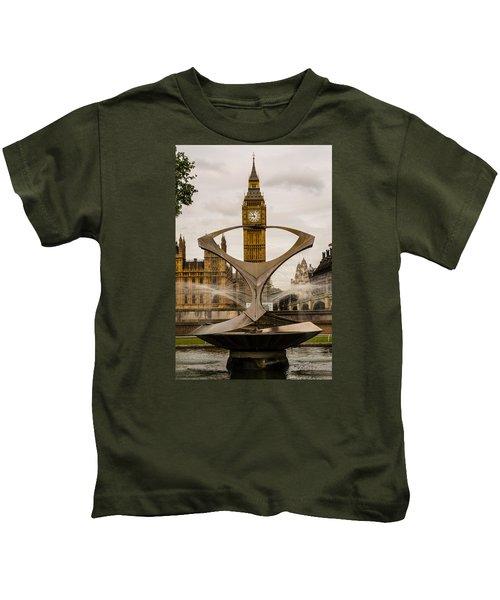 Fountain With Big Ben Kids T-Shirt