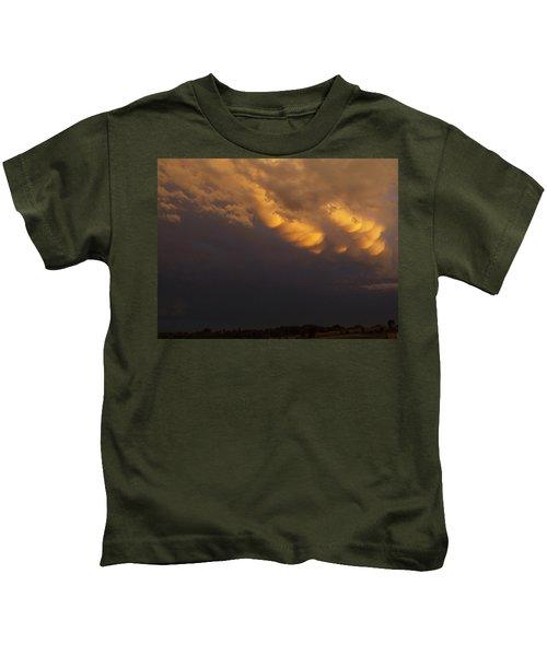 Golden Sunset Mammatus Kids T-Shirt