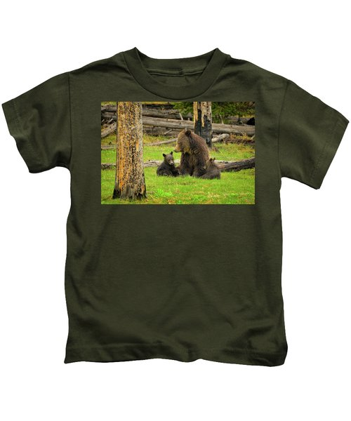Grizzly Family Gathering Kids T-Shirt