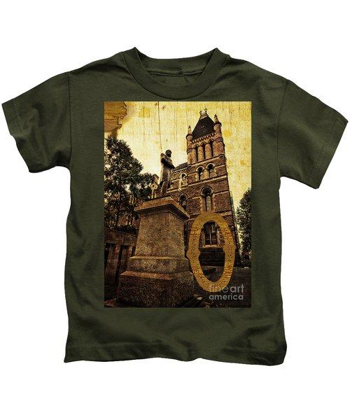 Grungy Melbourne Australia Alphabet Series Letter O Francis Ormo Kids T-Shirt