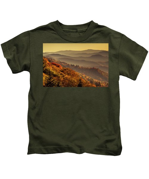 Hazy Sunny Layers In The Smoky Mountains Kids T-Shirt