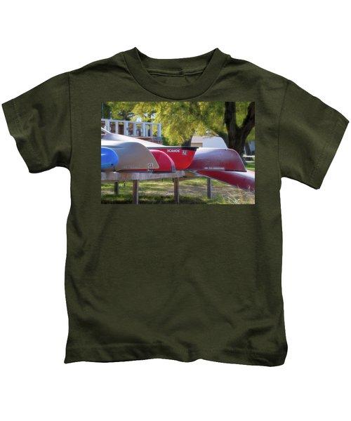 I Believe I'll Go Canoeing Kids T-Shirt