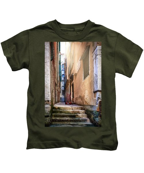 I Have Seen Your Trolley, Somewhere In Venice Kids T-Shirt