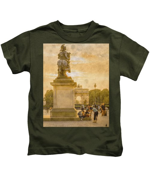 Paris, France - In The Shadow Of Glory Kids T-Shirt