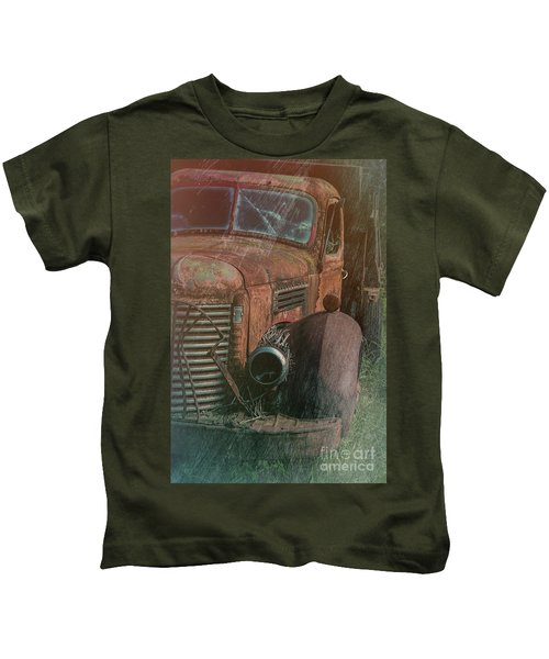 International Dump Truck In Rust Kids T-Shirt