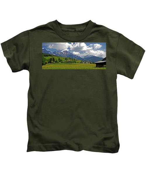 Is There More To Life Than This ... Kids T-Shirt