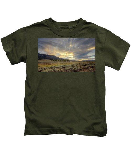 Lamar Valley Sunset Kids T-Shirt