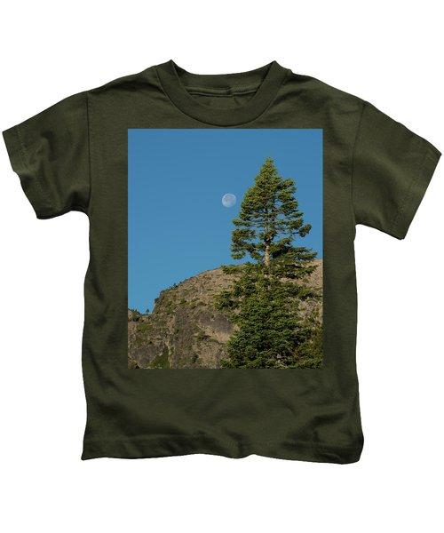 Last Moments Of A Full Moon Kids T-Shirt