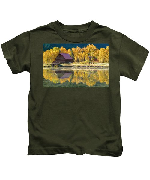 Little Barn By The Lake Kids T-Shirt