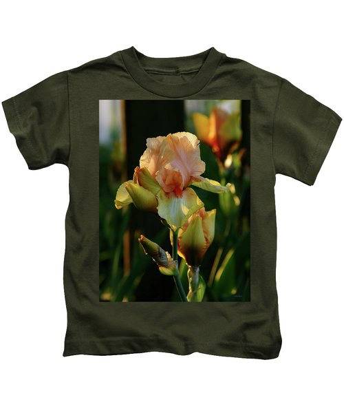 Luxurious Nature 6764 H_2 Kids T-Shirt