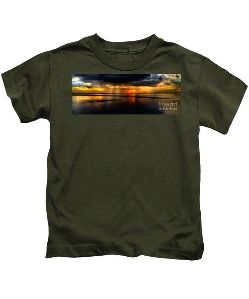 Manila Bay Sunset Kids T-Shirt