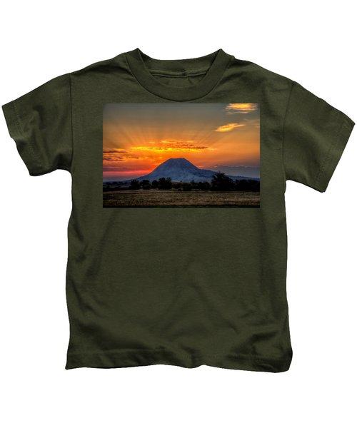 Mato Paha, The Sacred Mountain Kids T-Shirt