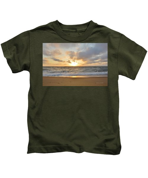 May Sunrise In Obx Kids T-Shirt