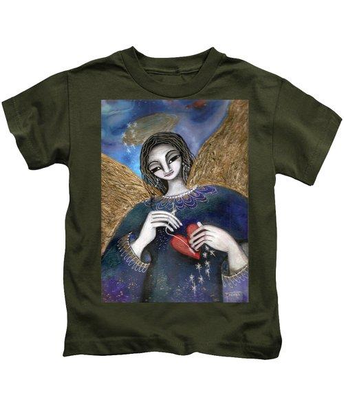 Mender Of Hearts Angel Kids T-Shirt