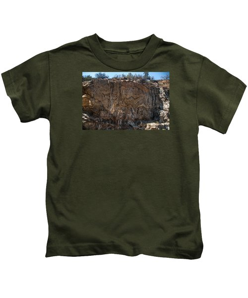 Metamorphic Geologic Wall In Kings Canyon Giant Sequoia National Monument Sequoia National Forest Kids T-Shirt