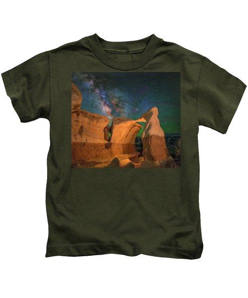 Metate Arch Kids T-Shirt
