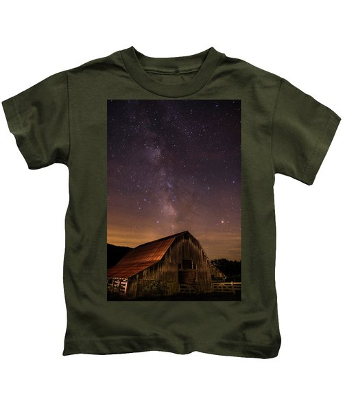 Milky Way Over Boxley Barn Kids T-Shirt