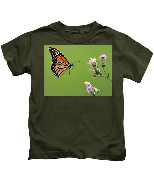 Kids T-Shirt featuring the photograph Monarch Butterfly by William Jobes