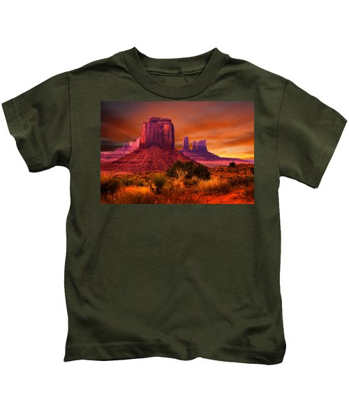 Monument Valley Sunset Kids T-Shirt