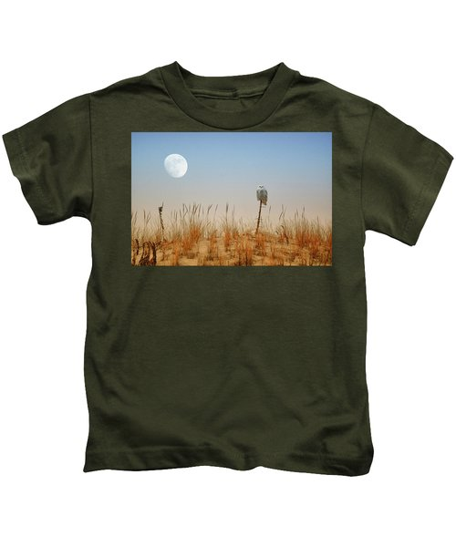 Moon Rise Snowy Owl Kids T-Shirt