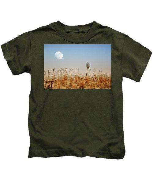 Moon Rise Snowy Owl Kids T-Shirt