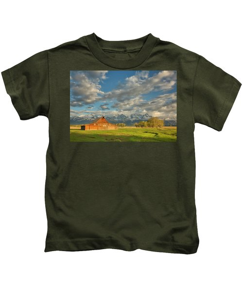 Morning Light On Moulton Barn Kids T-Shirt