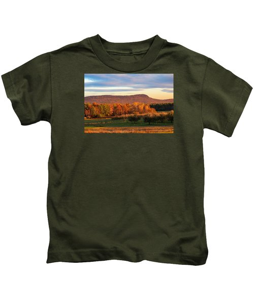 Mount Tom Foliage View Kids T-Shirt