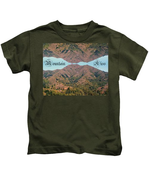 Mountain Kiss  Kids T-Shirt