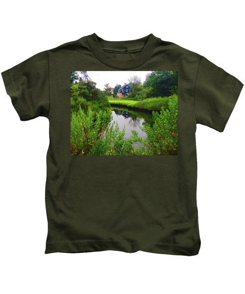 New England House And Stream Kids T-Shirt
