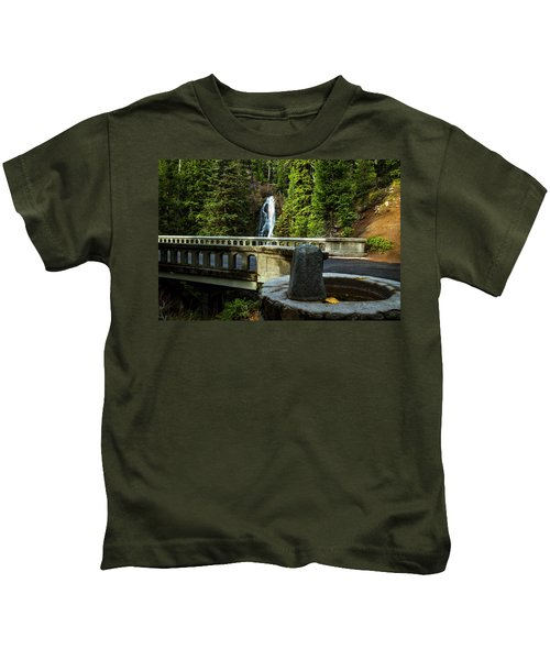 Old Barlow Road Bridge Kids T-Shirt