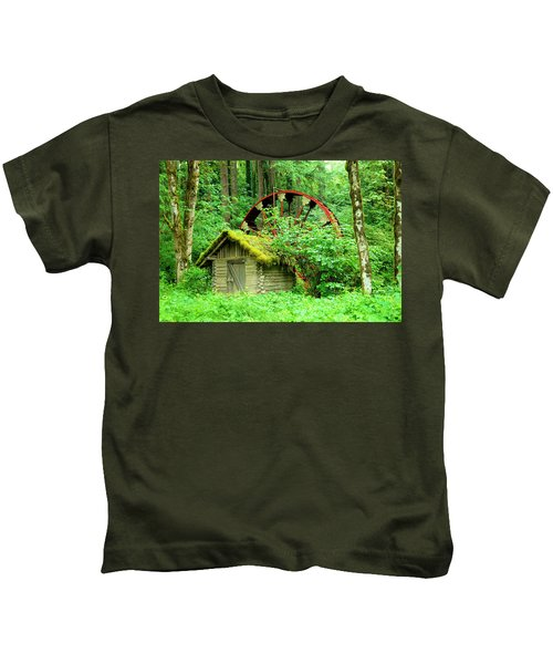 Old Wheel And Cabin Kids T-Shirt