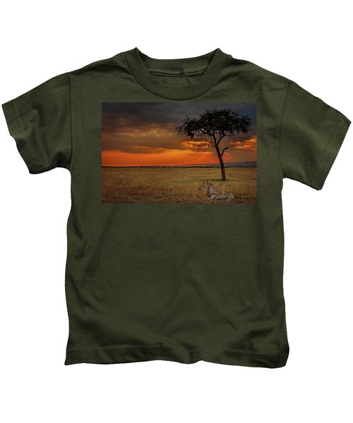 On A  Serengeti Evening  Kids T-Shirt